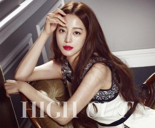 《美女的诞生》韩艺瑟登杂志封面