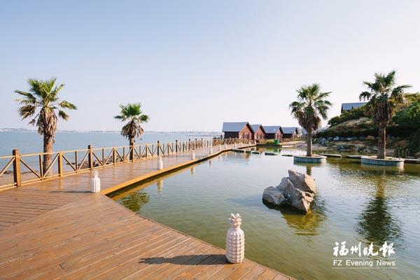 同年,东壁岛温泉滨海旅游度假区项目在第七届海峡旅游博览会上签约,与
