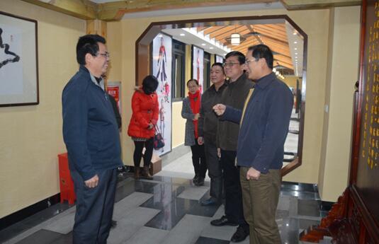 福建省总工会副主席柳公立一行考察调研福州外语外贸学院