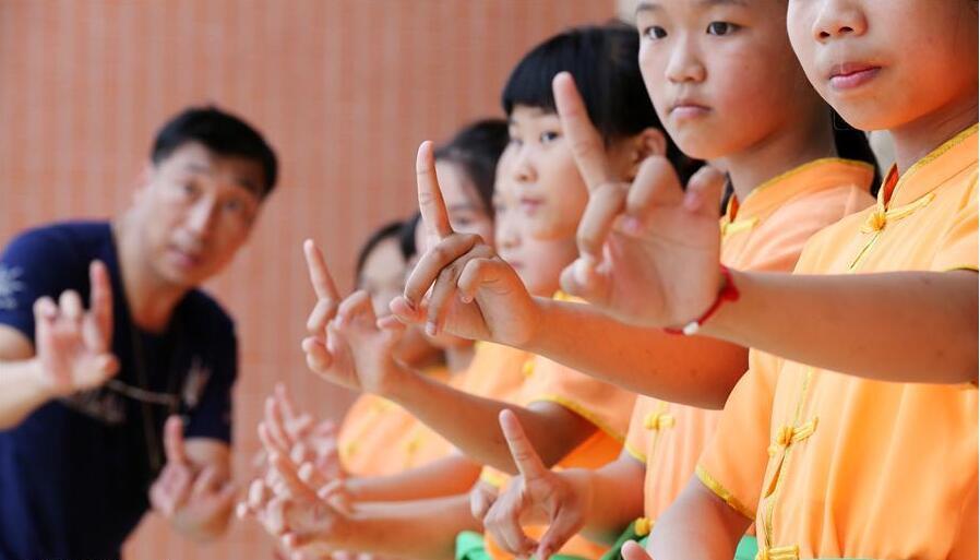 福建泉州:乡村孩子的高甲梦