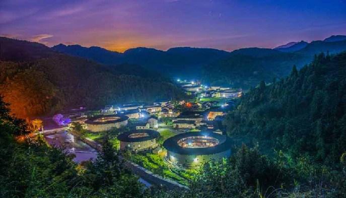 漳州南靖依托土楼 打造农民幸福产业