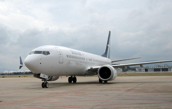 福州机场飞来首架波音737MAX8 续航能力延长一个多小时