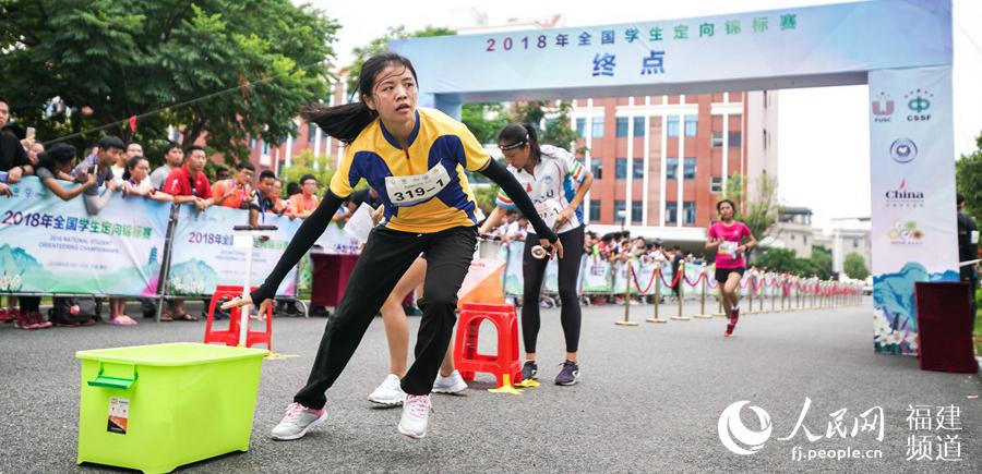 2018全国学生定向锦标赛开赛全国学生定向锦标赛是中国大学生体育协会主办、中国大学生体育协会定向分会负责执行的传统赛事,每年一次,今年是第17届。[阅读]