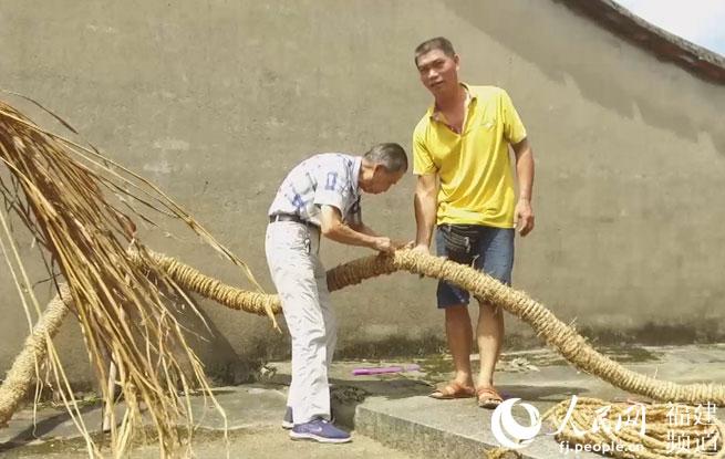 """记住乡愁,福清磨石村""""草龙""""舞中秋"""