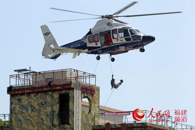 福建公安12支特警队伍1千多名特警队员开展实战演练(图2)