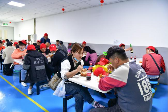 西席西席雇用通告发上海酒吧兼职招聘驻唱歌手招聘厦门原年招1217名
